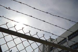Wykonywanie kary pozbawienia wolności, a specustawa o COVID-19.
